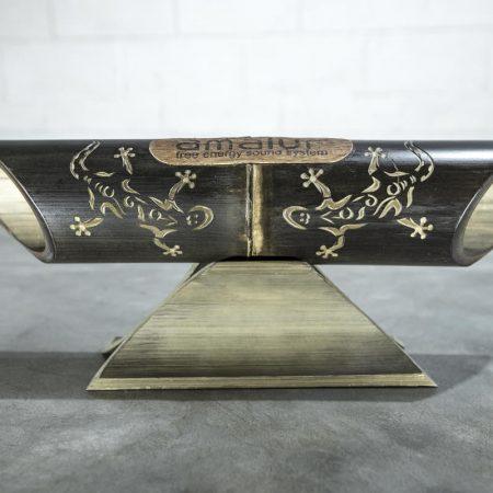 Altavoz de bambú Amalur modelo tallado SARGANTANA